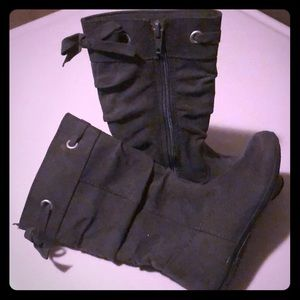 Grey slouchy boots